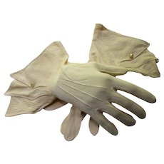 Gloves in Butter Tone Gauntlet Style Made in Germany Size 7.5