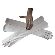 Vintage Classic Gloves in Beige with Cross Hatch Open Work