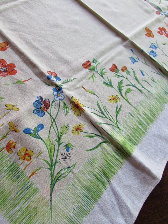 Luncheon Table Cloth Spring Summer Theme Flower Garden In Blue, Red,  Yellow, Green
