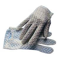 White Gloves Textured Waffle Style Wrist Length Hansen Brand Sz 7 1/2