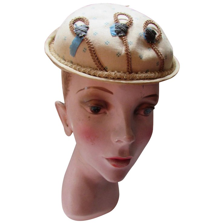 Early Victorian Era Small Hat in Beige Cotton Woven Edging   Maude s  Vintage Ware  eb50854b89b