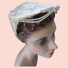 Lovely Vintage Wedding Veil Cap in Lace and Faux Pearls Mid Century