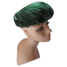 Handsome Coq Feather Hat Emerald Green & Black D'Orsay