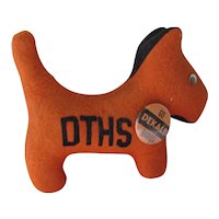 College Pet Orange Felt Dog Collegiate Mfg Co Ames Iowa DeKalb IL High School Barbs