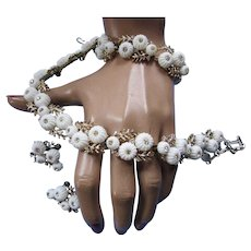 Coro Demi Parure Choker Necklace, Bracelet and Earrings White Domed Blossoms 1950/1960