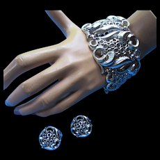 Silver Tone Cuff Bracelet and Earring Set in Scrolled Links and Open Rings Unmarked