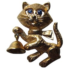 Frisky Kitty Avon Pin 1974 Brooch Figural Jewelry Gold Tone Cat Ringing Bell Vintage Brooch Booked Pin Free Shipping USA
