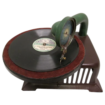 Rare Baby Jeannette Toy Phonograph