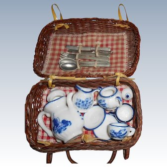 Vintage Woven Picnic Basket  With Dishes And Silverware Doll Size