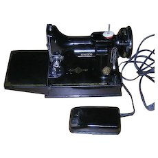 1952, Singer, 221-1, Featherweight Sewing Machine W/Case & Accessories