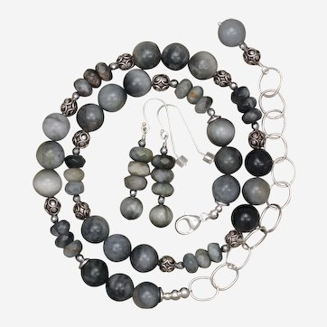 Natural Cat's Eye Quartz and Sterling Silver Necklace and Earrings