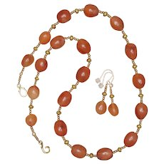 Graduated Carnelian Pebbles Necklace and Earrings Set