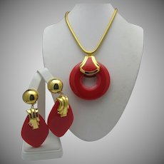 Red Lucite Necklace Earrings c1960