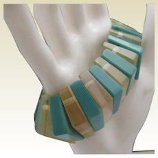 Turquoise Celluloid Stretch Bracelet c1950