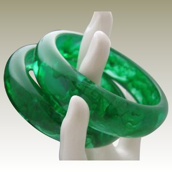 Watered Emerald Green Lucite Bracelet