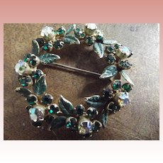 Vintage Wreath Pin, Christmas Jewelry