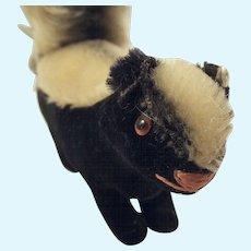 Steiff Skunk With Button
