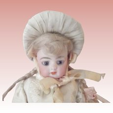Simon Halbig 950 Doll Closed Mouth All Original