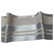 Early Wide Ribbon Trim