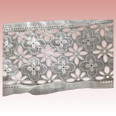 Eyelet Insertion Lace