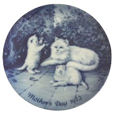 Blue Mother's Day Plate With Cat and Kittens