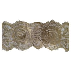 Wide Gold  Metal Lace Piece With Roses