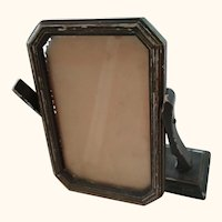 Swinging Chippy  Picture Frame