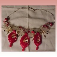 Beautiful Vintage Art Glass and Plastic Necklace