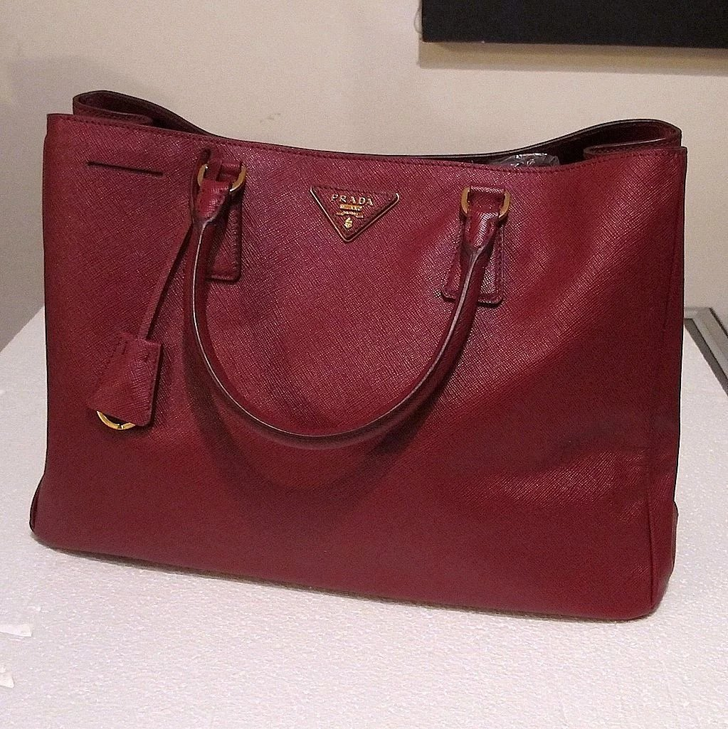 4be0665269ec37 ... new style prada tote bag saffiano leather italy. click to expand e5ee1  f7b29 ...