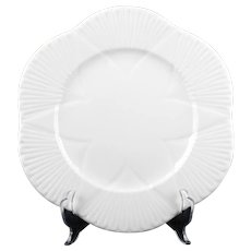 Shelley China Dainty White Plates Scalloped Shell Pattern No Trim Bread Butter