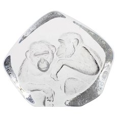 Mats Jonasson Crystal Chimpanzee Paperweight Swedish Intaglio Art Glass Signed Chimps