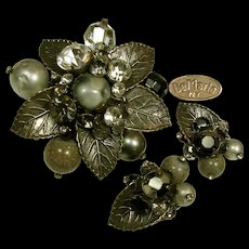 Vintage DeMARIO Brooch 'n Earrings, Art Glass 'n Rhinestones c.1950's