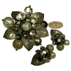 DeMARIO Vintage Brooch 'n Earrings, Art Glass 'n Rhinestones c.1950's