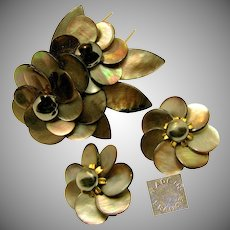 Vintage c.1940's French Floral Pin Clip Set, Rare, in Sable Abalone