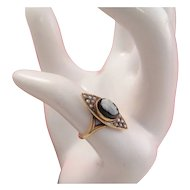 Charming 14k Gold Victorian Cameo Seed Pearl Ring