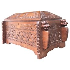 Early 1900 Wood Coffin Urn / Box w Bulldog Guards Sculpture