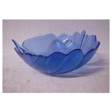 Vintage Beautiful Blue Glass Leaf Bowl