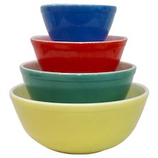 Vintage 1950s Pyrex Primary Colors Mixing Bowl Set