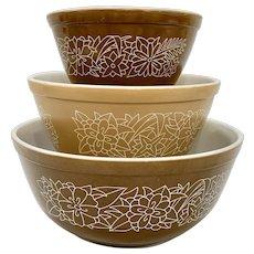 Vintage Pyrex Woodland Mixing Bowl Set