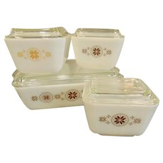 Pyrex Town and Country Refrigerator Dish Set