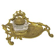 Virginia Metalcrafters Rococo Brass Inkwell