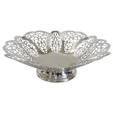Rogers Silver Scalloped, Ruffled, and Pierced Rim Footed Bowl