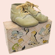 Vintage Poll Parrot Itty Bitty Baby Shoes with Original Box
