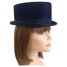 Equestrian Beaver Riding Top Hat with Case