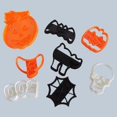 8  Wilton Spooky Halloween Cookie Cutters