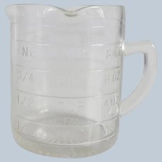 Three Spout Clear Measuring Cup
