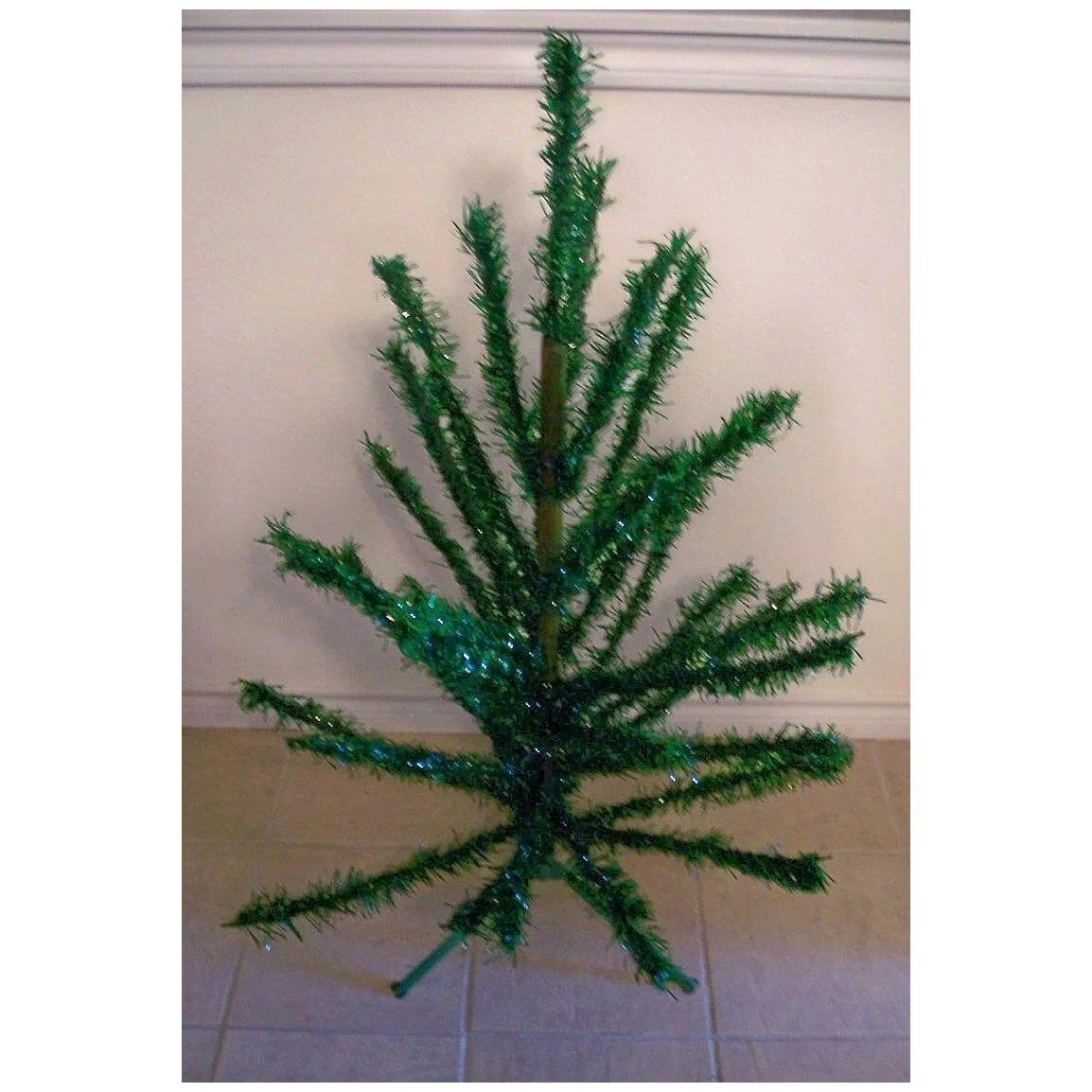 Tinsel Christmas Tree.Vintage Green Tinsel Christmas Tree