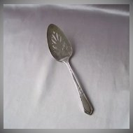 Wm A Rogers  Meadowbrook Silverplated  Pie Server