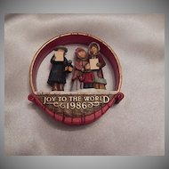 Hallmark Keepsake Joyful Carolers 1986 Ornament