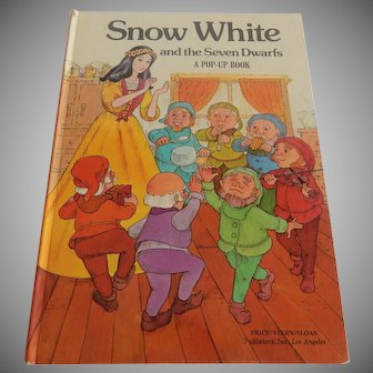 Snow White and the Seven Dwarfs a Pop-Up Book
